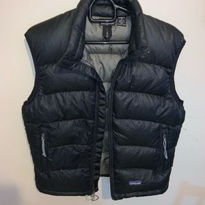 Woman's Patagonia puffer vest